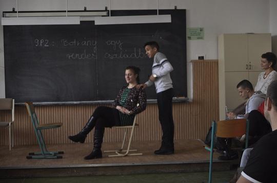 Interakció az utolsó órai darab feldolgozása közben<br />Fotó: Nem Privát Színház