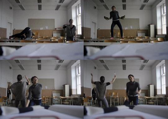Tánc az osztályteremben az egyik legrosszabbul sikerült óra után<br />Fotó: Nem Privát Színház