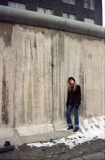 Resultado de imagem para . Eija-Riitta Berliner-Mauer