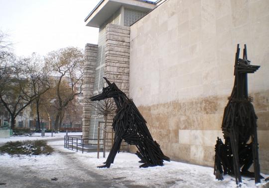 budapesti szobor_1.png