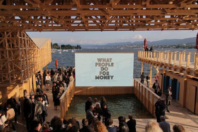 A Pavillon of Reflections a Zürichi-tavon © Manifesta 11
