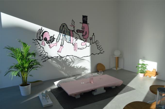 Maria Pratts freskója a stúdióban