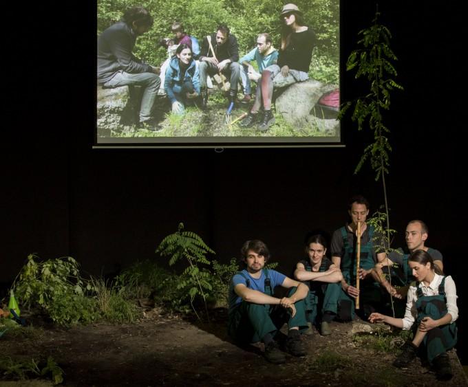 Faültető akció és újrajátszása. Fotó: Csányi Krisztina