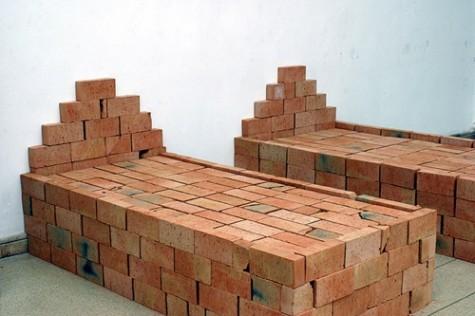 Balogh Tibor: Cím nélkül, 2004. Installáció az Elhallgatott Holokauszt kiállításon, Műcsarnok, 2004. Forrás: mucsarnok.hu